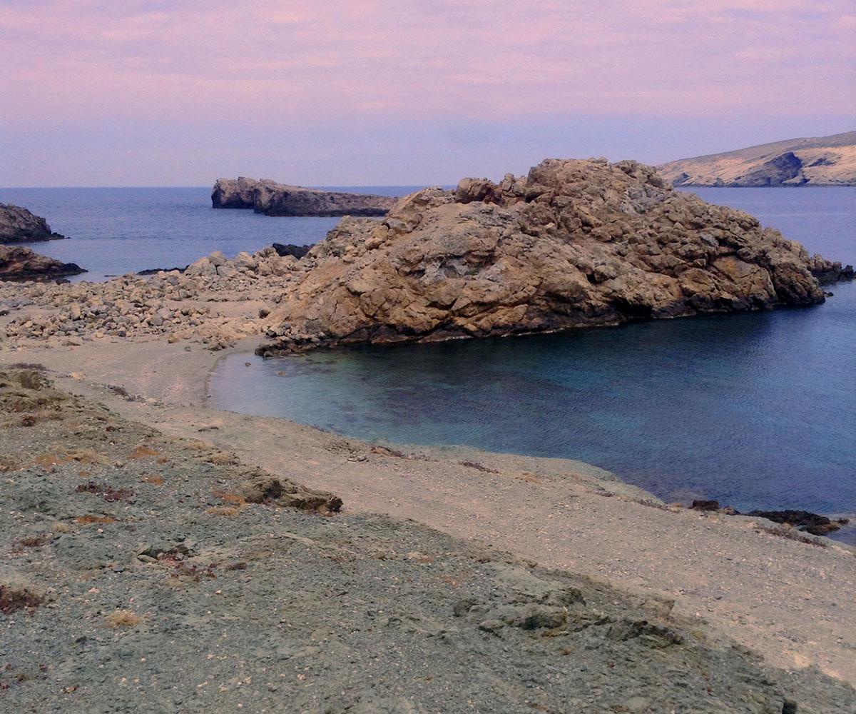Mykonos agios sostis beach